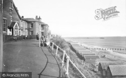 Southwold, East Cliff 1933
