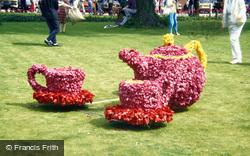 Spalding, Flower Parade, Tea Pot & Cups 1988