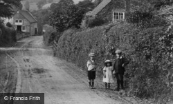 A Country Walk 1912, Generic