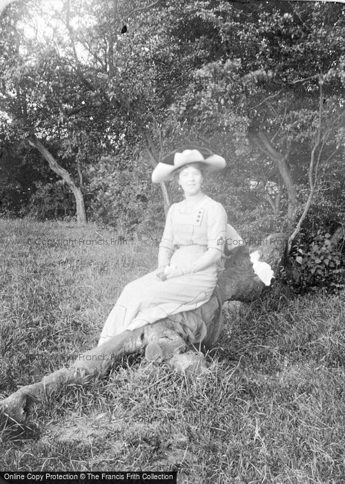 Photo of A Fashionable Lady c.1912