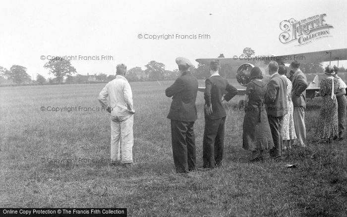 Photo of Aeroplane And Spectators c.1935