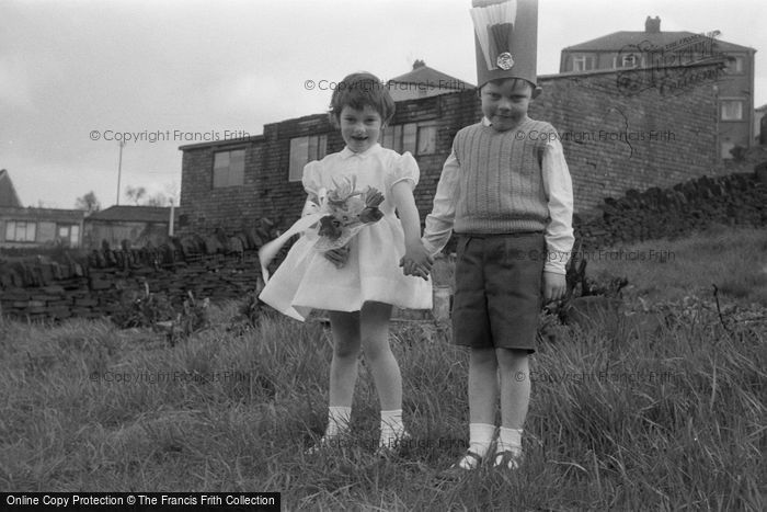 Photo of Children On May Day 1962