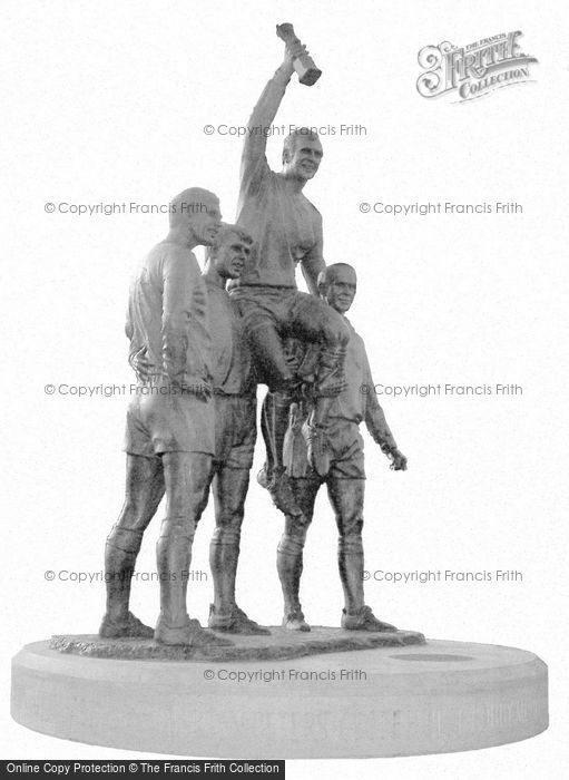 Photo of East Ham, The Champions Statue 2003