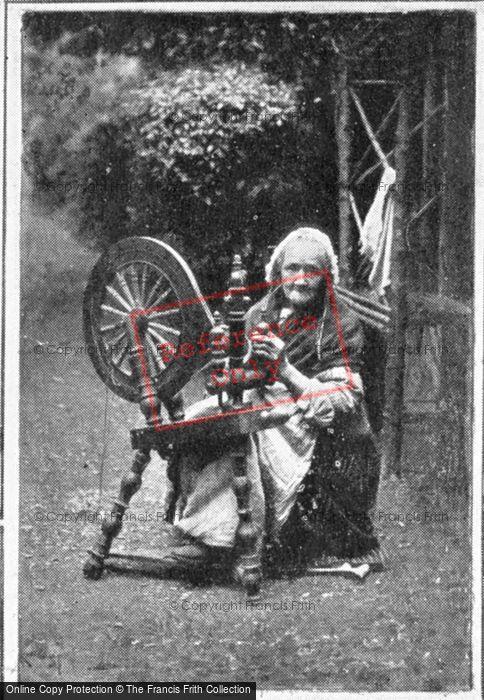 Photo of Irish Spinning Wheel c.1900