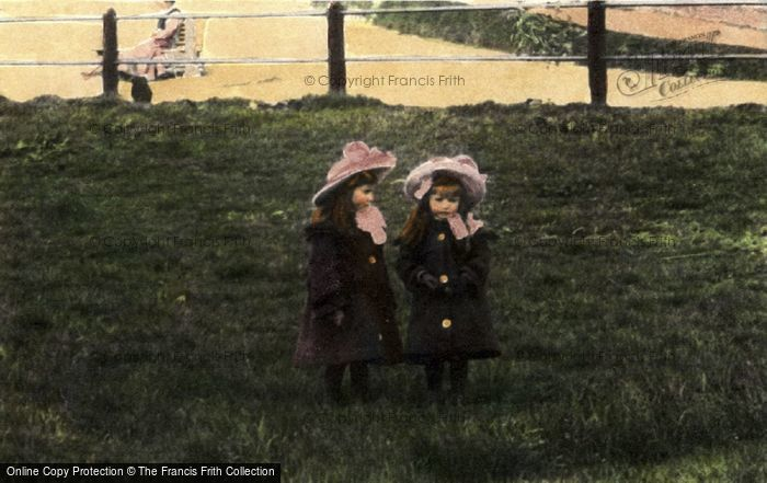 Photo of Sisters 1905