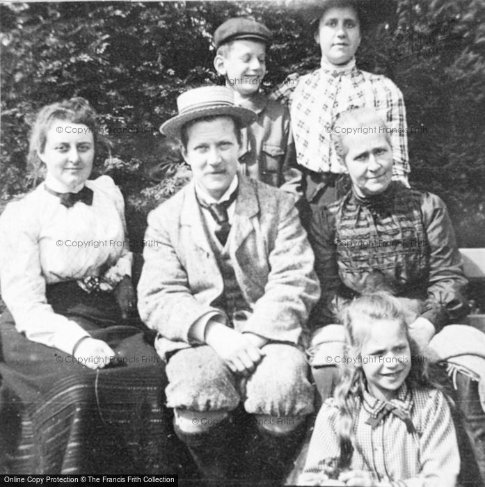 Photo of Victorian Family 1902