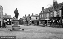 Franklin Monument 1956, Spilsby