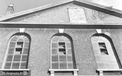 Spitalfields, Sundial, L'eglise Neuve, Fournier Street c.1946
