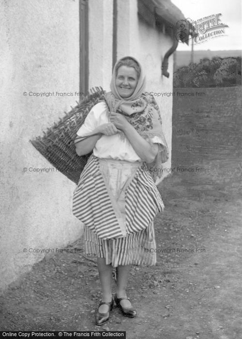 Photo of St Abbs, A Scottish Fishwife c.1932