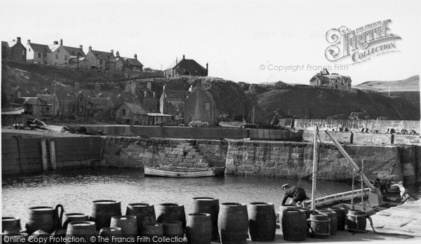 Photo of St Abbs, Harbourside c.1955