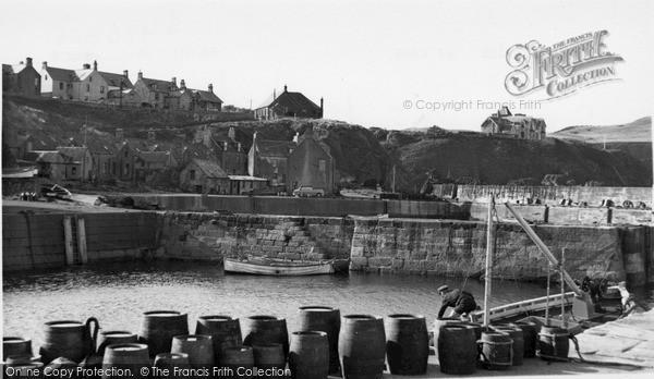 Photo of St Abbs, Harbourside c1955, ref. s416306