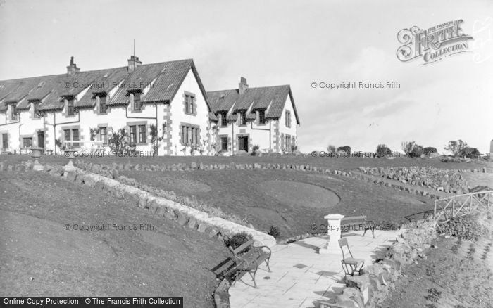 Photo of St Abbs, Haven Hotel And Memorial c.1935