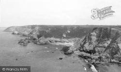 St Agnes, At Trevaunance Cove c.1930