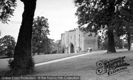 Photo of St Albans, the Abbey Gateway c1955, ref. S2069
