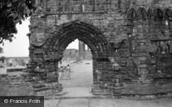 Cathedral, Arch 1961, St Andrews