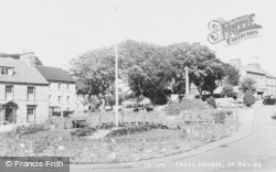 Cross Square c.1960, St Davids