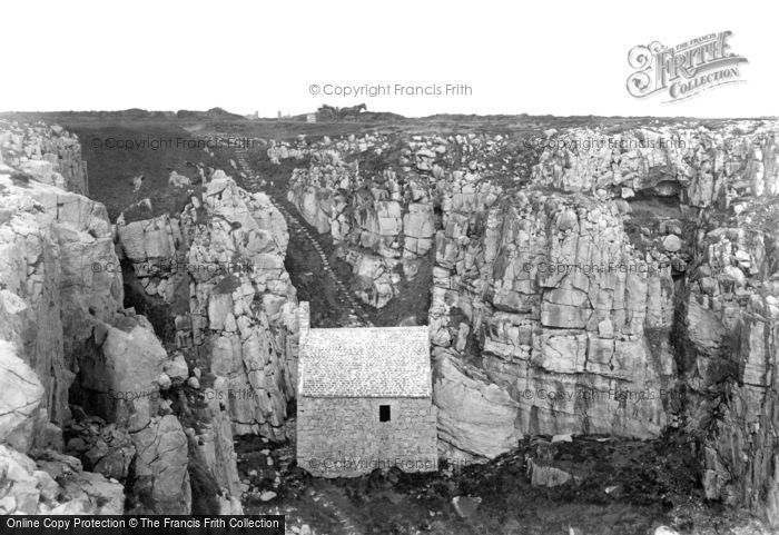 St Govan's Head photo