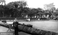 St Helens, Bowling Green, Queens Park c.1965