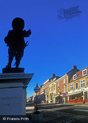 Oliver Cromwell Statue, Market Place c.1990, St Ives