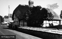 Thatched Cottage In The Village c.1950, St Mary Bourne