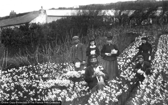 Photo of St Mary's, Scillonian Family c.1891