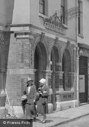 Greenslades, Fore Street 1925, St Marychurch