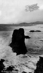 Castle Rock Treyarnon Bay c.1955, St Merryn