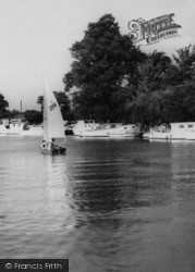 St Neots, A Sailing Dinghy On The River c.1965