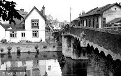 St Neots, The Bridge And Bridge Hotel c.1955