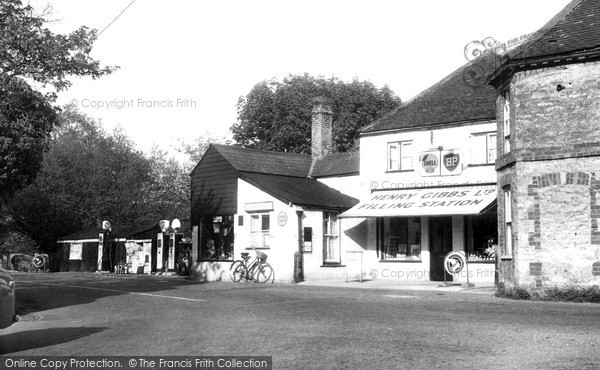 Stadhampton, the Post Office and Village Store c1960