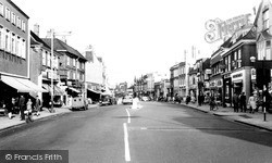 Staines, High Street c.1960