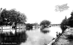 Staines, Houseboat Reach 1895