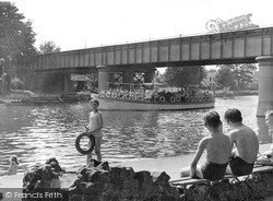 Read this memory of Staines, Surrey.