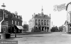 Staines, Town Hall 1895