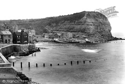 Staithes, North Cliff 1925