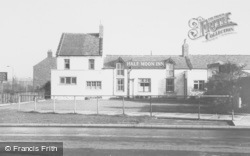 Stakeford, Half Moon Inn c.1955