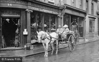 Stamford, Horse and Carriage 1922