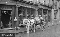 Horse And Carriage 1922, Stamford