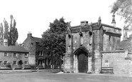 Stamford, the Old Infirmary Gate c1955