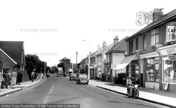 Stanford-le-Hope, Corringham Road c1960.  (Neg. S258017)  © Copyright The Francis Frith Collection 2005. http://www.frithphotos.com