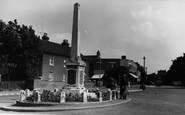 Stanford-Le-Hope, The Memorial c.1960