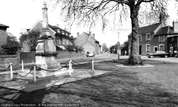 Stanwell, the Memorial and High Street, c.1960. Reproduced courtesy of The Francis Frith Collection