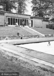 Swimming Pool, Ringwood Park  c.1960, Staveley
