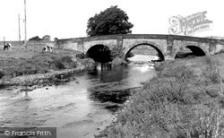 Steeton, The River Aire And Bridge c.1955
