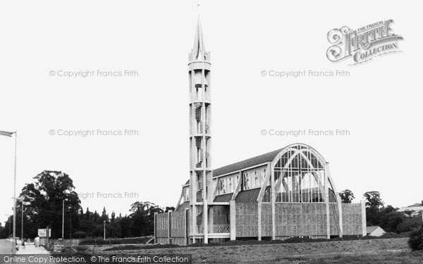 Photo of Stevenage, St George's Church c.1960