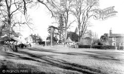 Stevenage, The Red Lion And Church, Shephall c.1955