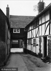 Steyning, A Bit Of Old Town c.1950