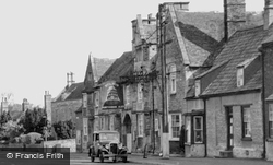 The Bell Inn, High Street c.1955, Stilton