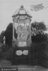 Stirling, Martyr's Monument 1899