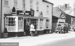 Stockbridge, High Street, The Vine Inn 1957